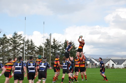 Rory Kerins in the line out